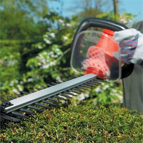 Black and Decker - 700W 70cm Hedge Trimmer - GT7030